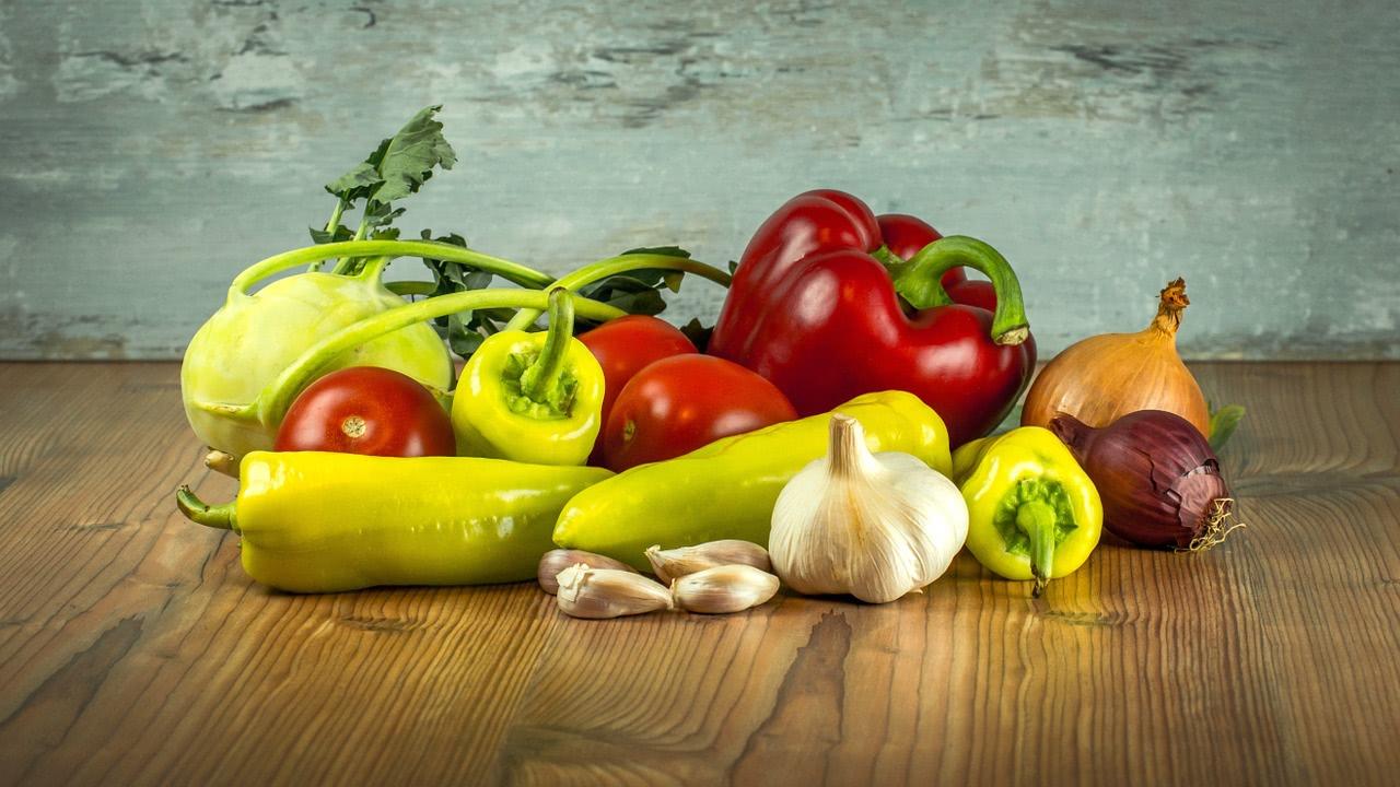 Chilis und Gemüse